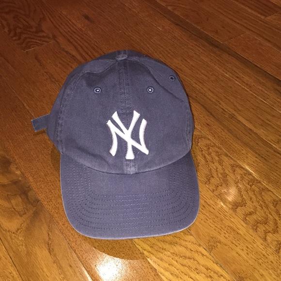 c5bbec520df32 NY Yankees Navy hat. M 5a4edc849d20f0eb2d004727